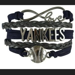 New York Yankees MLB Infinity Bracelet with charms